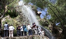 شهردار كرج گقت: بزرگترين آبشار مصنوعي كشور با نام آبشار بيلقان با اعتباري بالغ بر 200 ميليون تومان در كرج به بهرهبرداري رسيد.